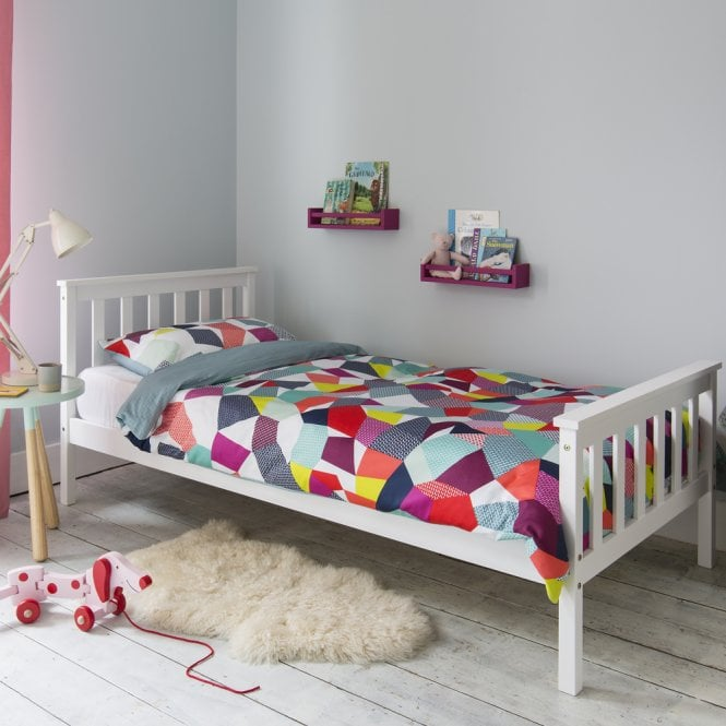 Single kids bed with mattress